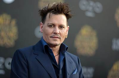 """Johnny Depp Joins Cast of first of four """"Fantastic Beasts"""" Sequels"""