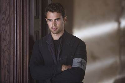 Theo James to Star in Netflix's How It Ends