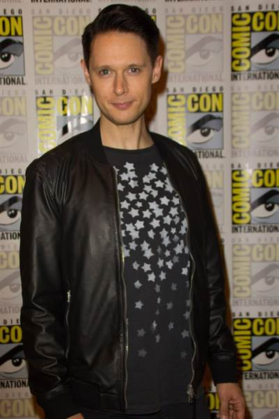 Dirk Gently's Holistic Detective Agency Makes a Splash at Hall H