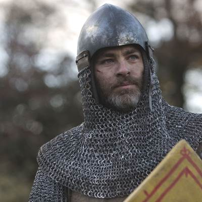 Chris Pine in Talks to Star in Dungeons and Dragons Film