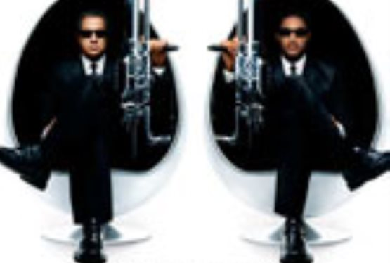 "Script Rewrites Delay ""Men In Black III"" Production"