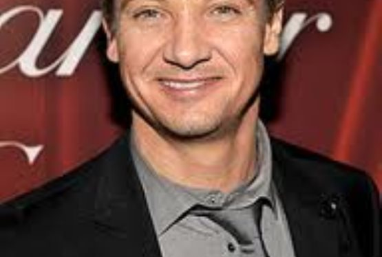 Jeremy Renner Talks Bourne Legacy