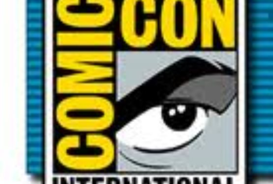 FLIXSTER TO GIVE COMIC-CON® ATTENDEES Complimentary ULTRAVIOLET Copies of Warner Bros Films