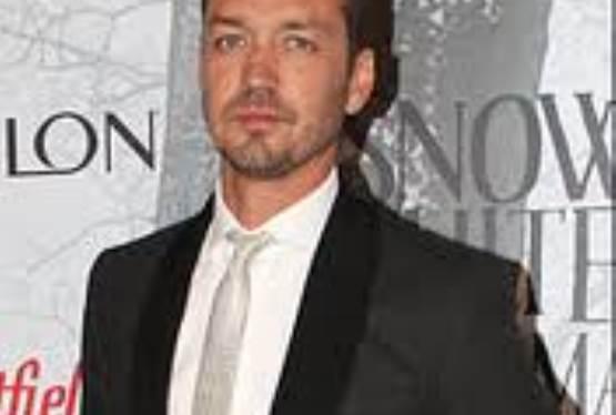 Snow White Affair Scandal Lands Rupert Sanders Van Helsing Project