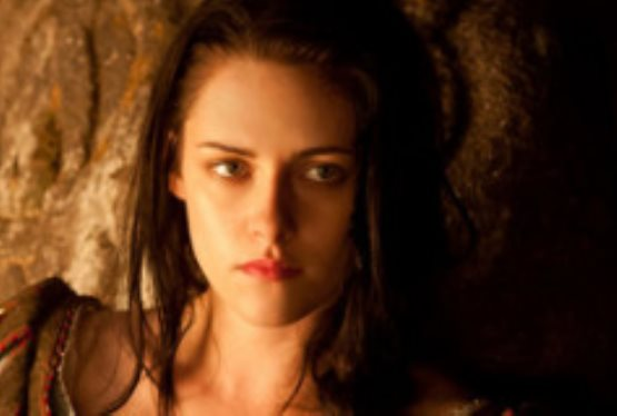 Kristen Stewart Will Reprise Role in Snow White and the Huntsman Sequel