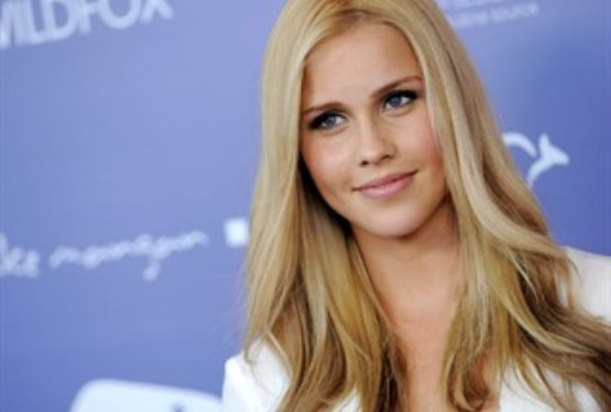 Fan Favorite Claire Holt to Star In Vampire Diaries Spinoff The Originals