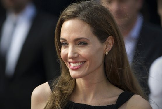 Angelina Jolie in Talks to Star in Murder on the Orient Express