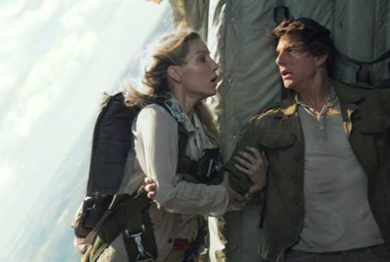 The Mummy Filmmakers Discuss Tom Cruise's Zero Gravity Scene