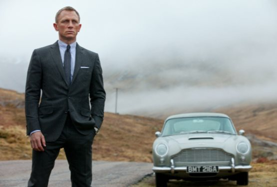 Daniel Craig Signs on for Bond 25