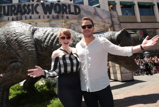 Chris Pratt and Bryce Dallas Howard Unbox Enormous Jurassic World Amazon Delivery
