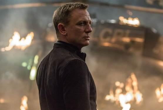 Cary Joji Fukunaga to Direct Bond 25
