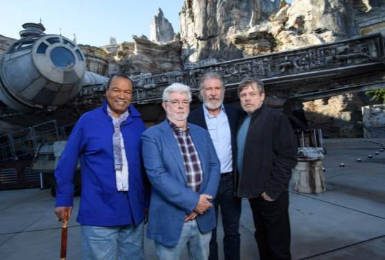 Veteran Star Wars Alum Reunite at Galaxy's Edge Disneyland