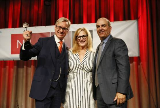 Paul Feig Receive's NATO's Spirit of the Industry Award