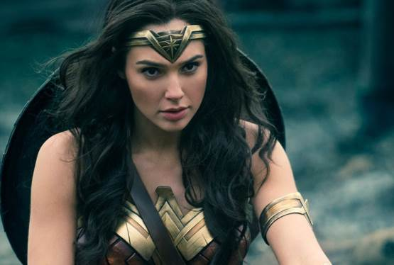 Wonder Woman 1984 Stays on Summer Theatrical Release Schedule