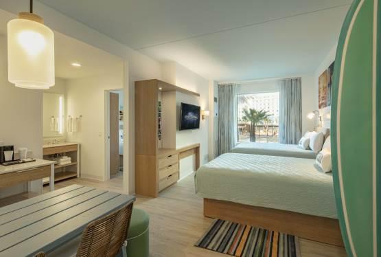 Universal Orlando Resort to Open Endless Summer Resort Dockside Inn and Suites in December