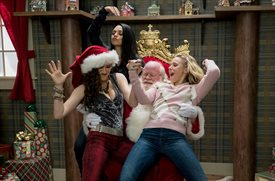 A Bad Moms Christmas © STX Entertainment. All Rights Reserved.