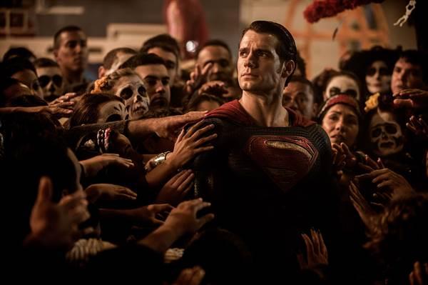 Batman v Superman: Dawn of Justice © Warner Bros.. All Rights Reserved.