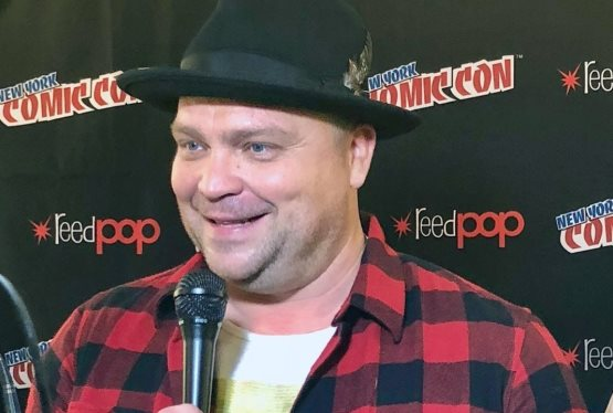 The Stars of Gotham Give The Inside Scoop on Season 4 | NYCC 2017