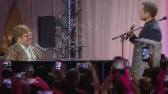 Elton John & Taron Egerton - 'Tiny Dancer' (Elton John AIDS Foundation Academy Awards Viewing Party)
