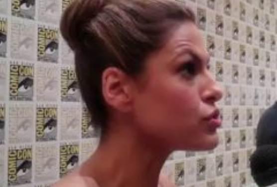 Eva Mendes Comic Con 2010