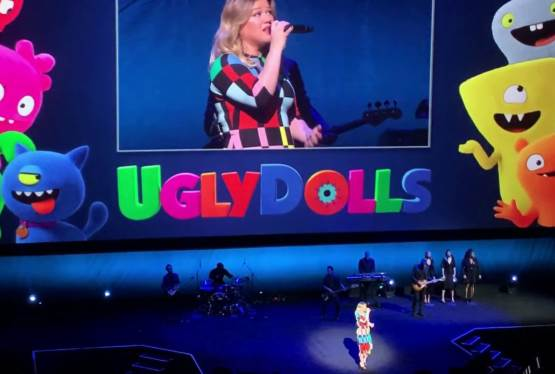 Kelly Clarkson Performs Broken and Beautiful (Live) From UglyDolls
